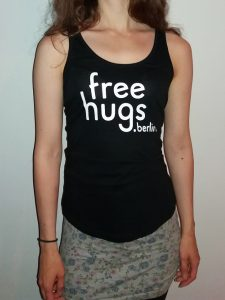 Free Hugs Shirt Damen