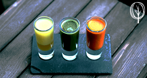 Grüner Smoothie mit Kurkuma - baumfrei.de - Artikelbild