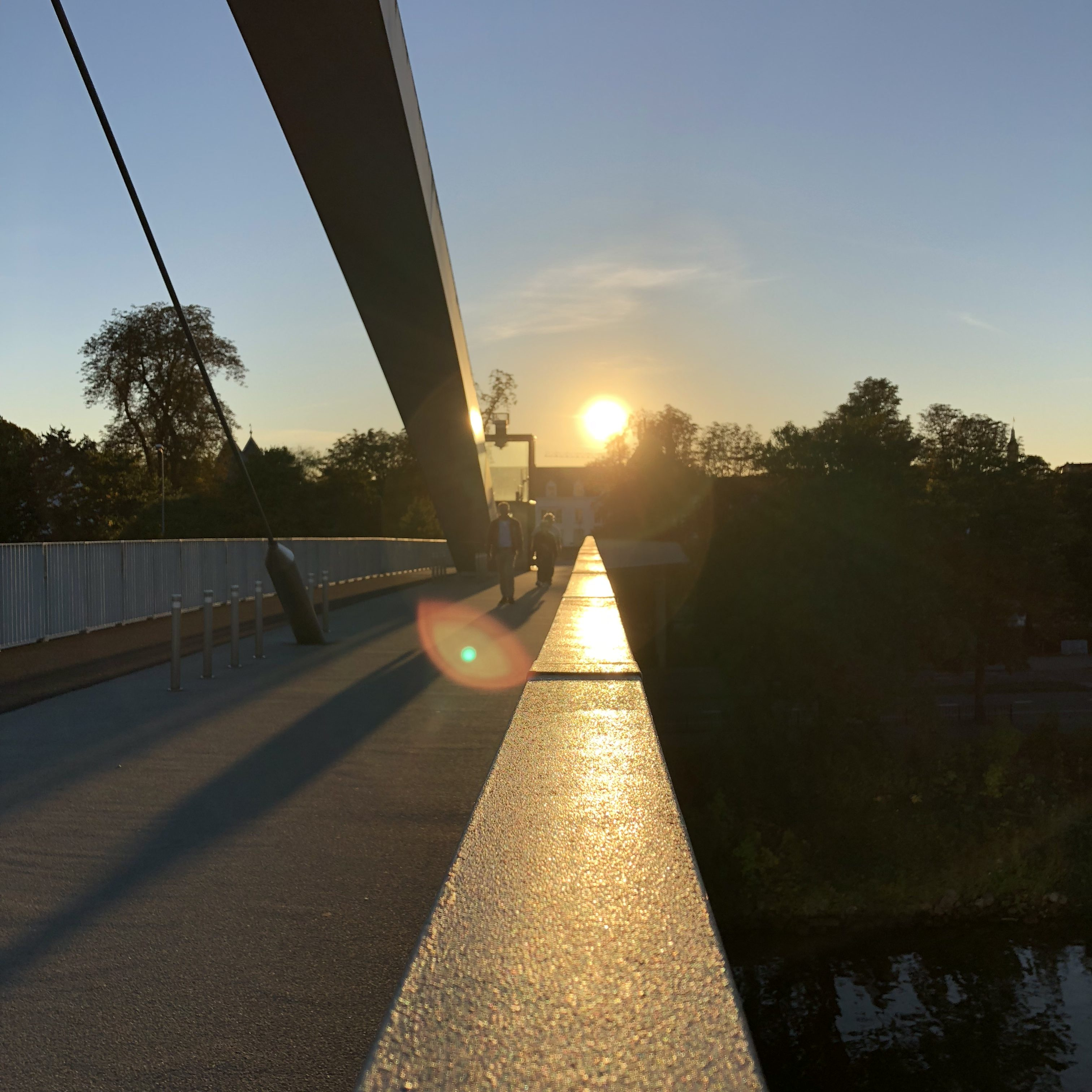 Sonne Brücke baumfrei