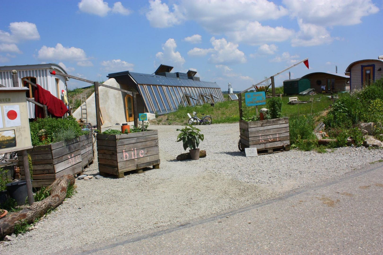 earthships tempelhof